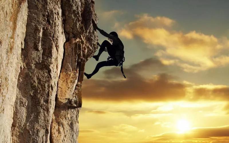 2020年金融边缘的100个新创业机会